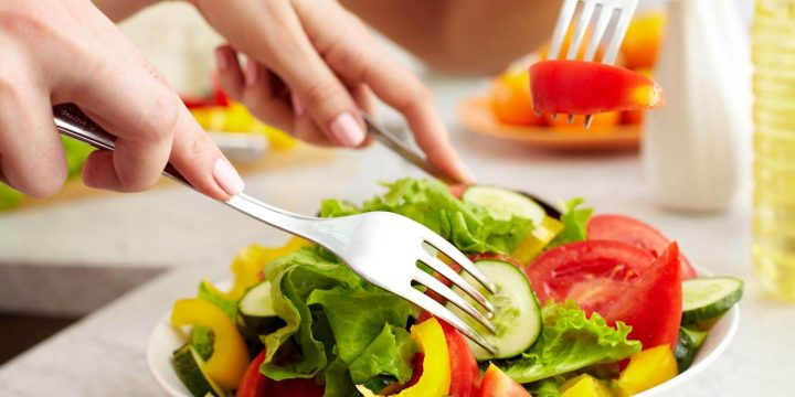 5 Tips Diet Sehat Ini Masih Bisa Kamu Jalankan Saat Menstruasi